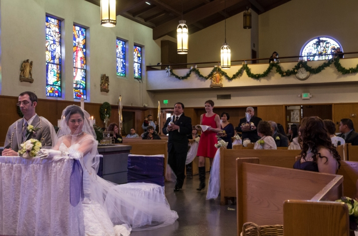 sponsors bring offerings Filipino Catholic wedding